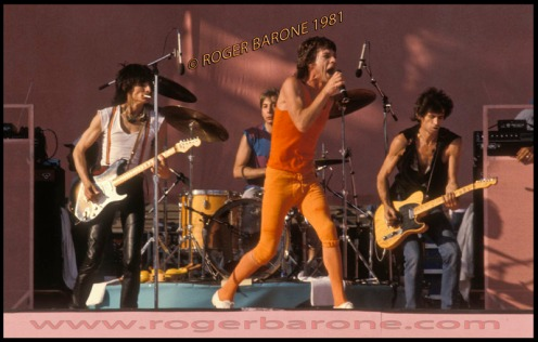 ron wood mick jagger and keith richards on stage