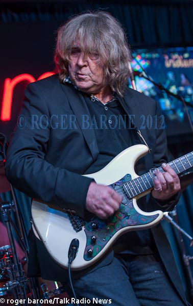 Mick Taylor concert photo Iridium Club New York. Photo by Roger Barone