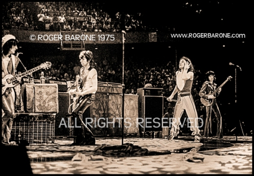 Rolling Stones encore at Spectrum Arena (6/29/75) © Roger Barone 1975