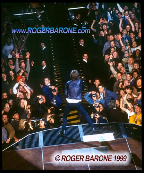 Mick Jagger performing first song at First Union Center in Philly 3/15/99 photo by roger barone