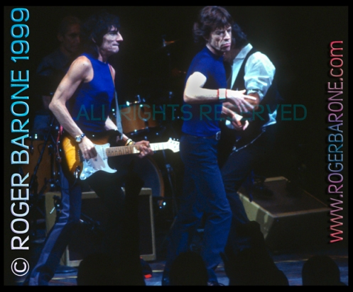 Mick Jagger & Ronnie Wood of the Rolling Stones in concert First Union Center Philly (3/15/99) photo by roger barone