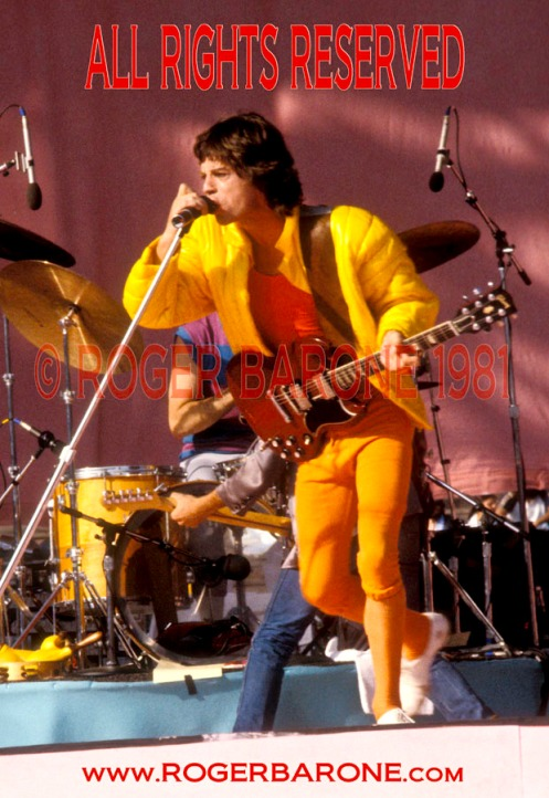 Mick Jagger plays red gibson SG JFK Stadium Stones (9/26/81)© roger barone 1981