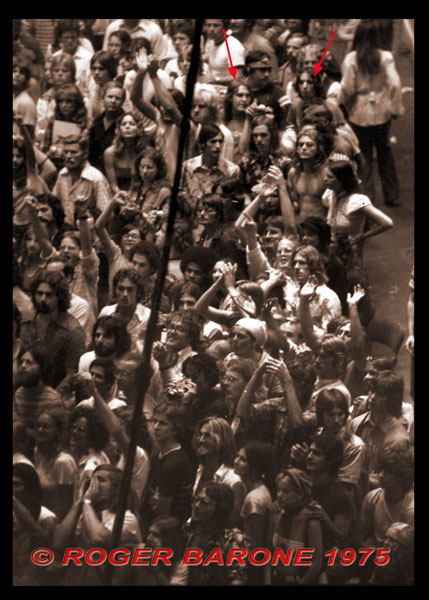 Rolling Stones crowd at Spectrum (6/29/75) photo © roger barone 1975