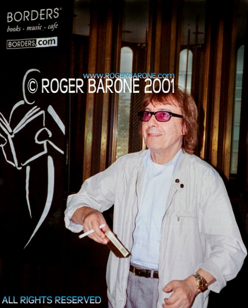 Rolling Stones' bass player BIll Wyman attends author event at Borders in Philly (94/01) photo: roger barone