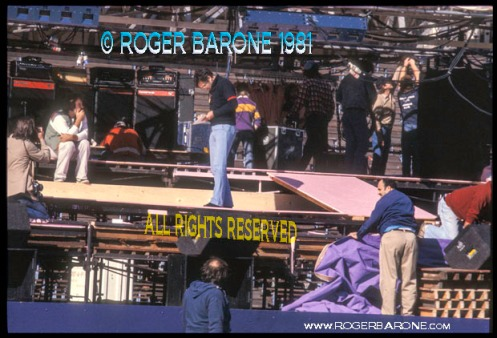 Bill Graham and Philly stagehands setting up rolling stones stage (9/24/81) photo: roger