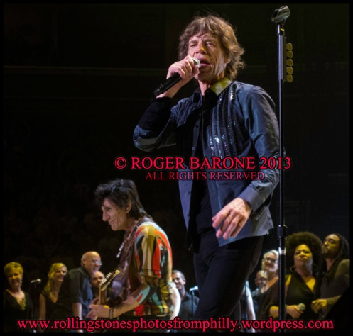 Mick Jagger and The Crossing singing Rolling Stones, Wells Fargo Center, photo roger barone