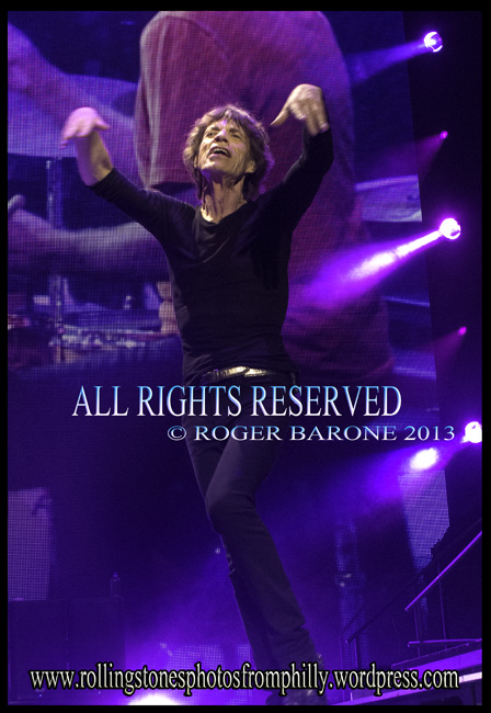 Mick Jagger performing at Wells Fargo Center Philly, June 21, 2013. © Roger Barone 2013