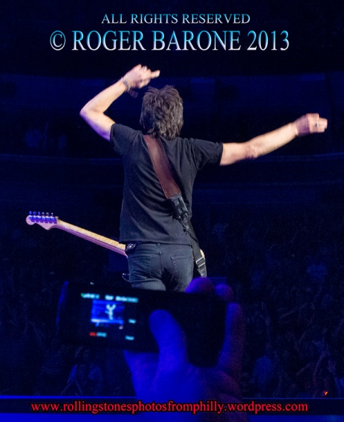 Ronnie Wood facing audience Wells Fargo Center rolling Stones , © roger barone 2013