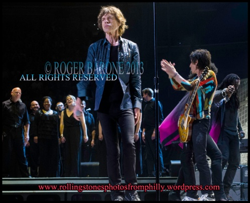 Mick Jagger and The Crossing Choir in Philly Wells Fargo Center, June 21, 2013, © roger barone