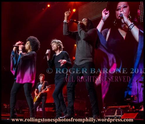 Lisa Fischer, Mick Jagger, Ron Wood, Bernard Fowler wells fargo center philly june 21. 2013 photo: roger barone