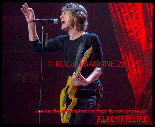 Mick Jagger playing telecaster guitar Wells Fargo Center, June 21, 2013, photo by roger barone
