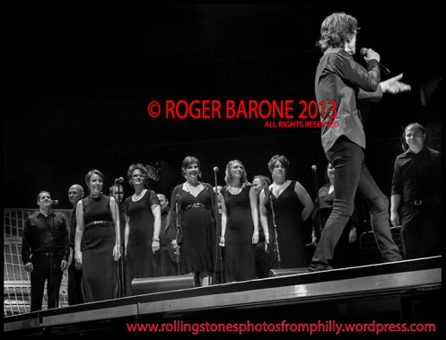 """mick jagger and the crossing singing """"you can't always get what you want"""" philly june 21, 2013 photo by roger barone"""
