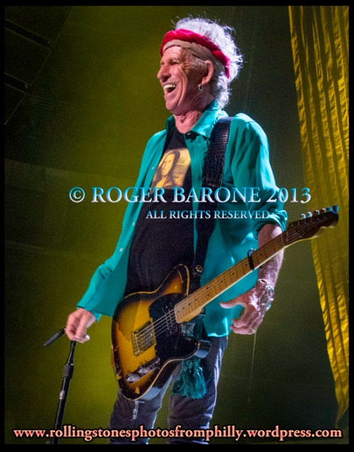 keith richards happy at wells fargo center philly june 21, 2013 photo by roger barone