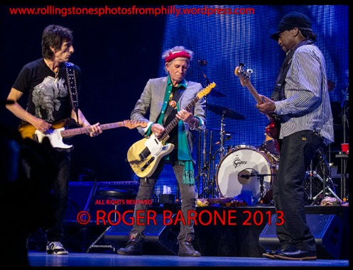 ronnie wood, keith richards and darryl jones jamming wells fargo center philly. june 21, 2013. photo by roger barone