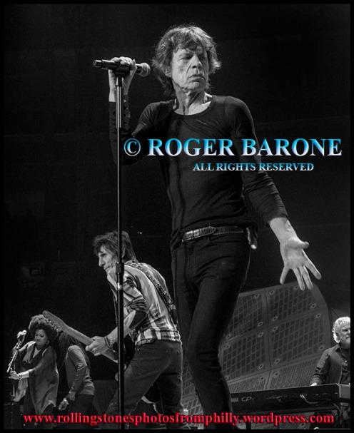 "Mick Jagger singing ""Honky Tonk Woman"" wells fargo center, june 21, 2013 photo by roger barone"