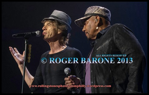 "mick jagger and aaron neville ""under the boardwalk"" in philly. photo by roger barone, june 21, 2013"