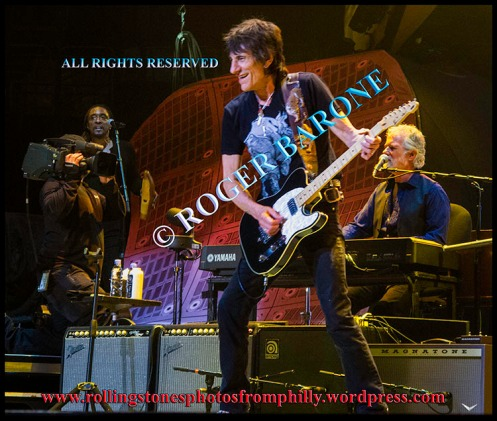 Ronnie Wood performing with Rolling Stones , in Philadelphia, june 21, 2013, photo by roger barone