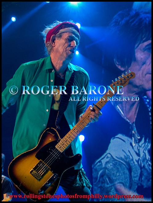 """Keith Richards playing Fender Telecaster on """"Happy"""" Philly, June 21, 2013; photo by roger barone"""