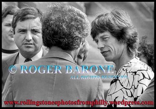 Mick Jagger talks to Larry Magid at Rolling Stones JFK Stadium Press Conference..Aug 26, 1981. photo by roger barone