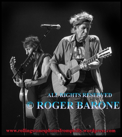 Keith Richards and Ronnie Wood Rolling Stones Wells Fargo Center Philly © Roger Barone 2013