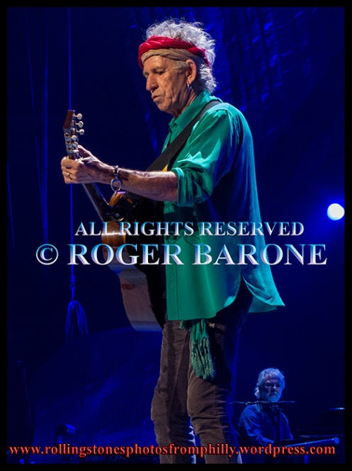 Keith Richards playing acoustic guitar in Philly, june 21, 2013. photo by roger barone
