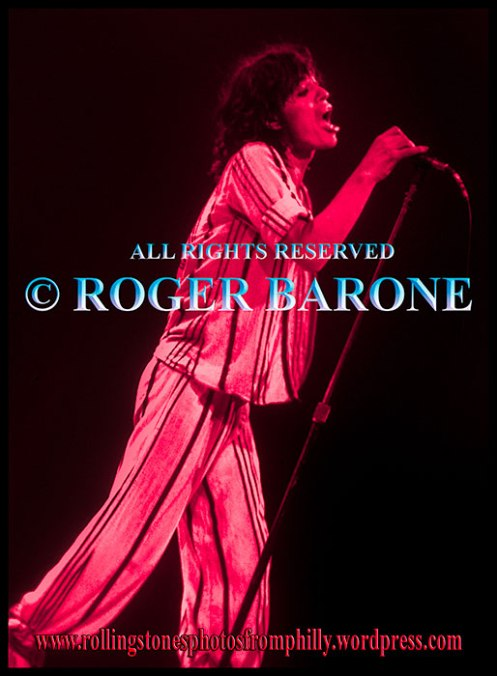 mick jagger full profile, Spectrum Arena, june 29, 1975, photo by roger barone