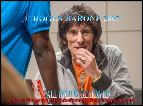 Ronnie Wood Union Square book signing Barnes Noble, october 31, 2007 © roger barone
