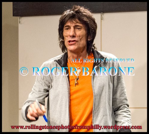 rolling stones guitarist ronnie wood book signing barnes and noble new york, october 31, 2007 © roger barone