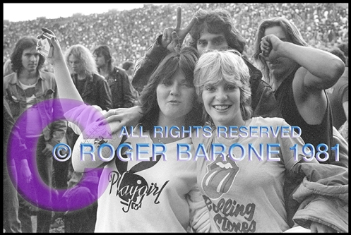 stones_fans_girls_web